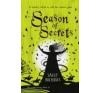 Season of Secrets by Nicholls, Sally idegen nyelvű könyv