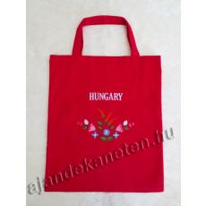 Piros táska hímzett virág motívummal, Hungary felirattal 35x40 cm