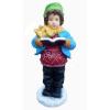 Gyerek-hóban álló, éneklő fiú
