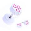 Fake piercing a fülbe akrilból - rózsaszín szívek fehér korongon