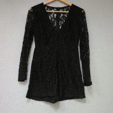 Fekete csipkés hosszú ujjú ruha- Egy méret