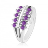 Gyűrű ezüst színben, osztott szárak, két lila, csillogó cirkóniás sáv