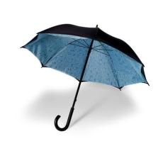 . Duplafalú esernyő, esős