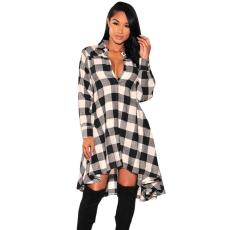 Fekete-fehér kockás blúz ruha