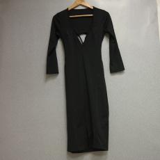 Fekete  V kivágású hosszú ujjú ruha - Egy méret