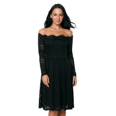 Fekete csipkés pánt nélküli ruha