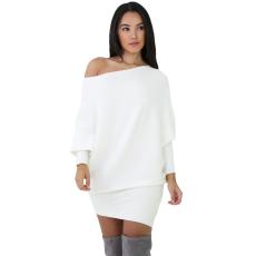 Fehér félvállú pulóver