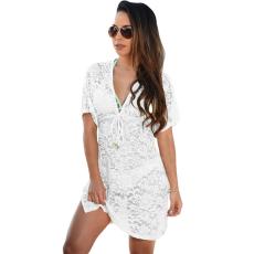 Fehér átlátszó csipkés borítású ruha