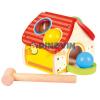 Bino Toys Fa kalapácsos formaillesztő házikó