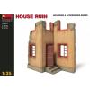 MiniArt 1/35 Ház rom épület dioráma modell
